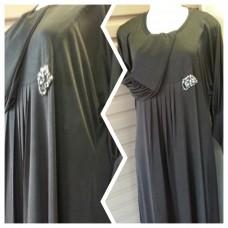long dress with broche (abaya)